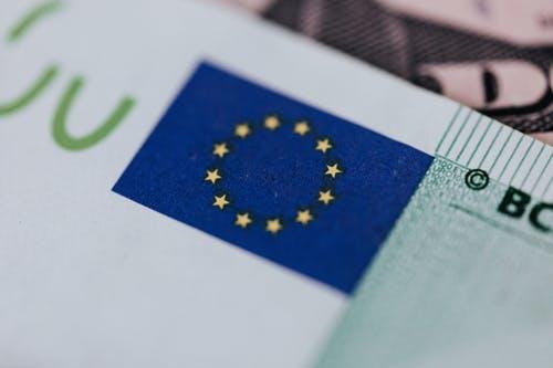 Investicijų planas Europai pritraukė 500 mlrd. EUR investicijų